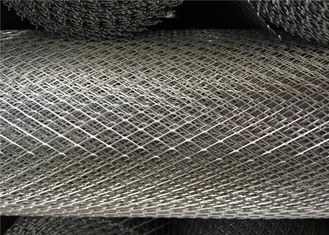 Galvanized Expanded Steel Diamond Mesh , 15 X 30mm Heavy Gauge Expanded Metal