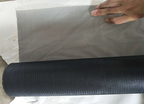 1m X 14m Galvanized Steel Expanded Metal Mesh 0.3mm Thickness Three Color